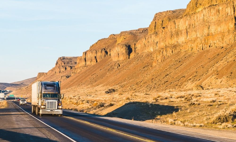 Tips for Truck Driving in Areas With Hot Weather